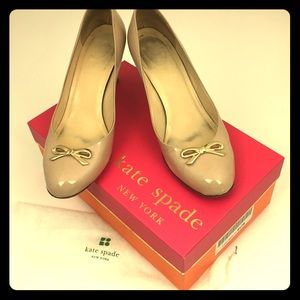 Kate Spade Catia tan pumps with gold bow